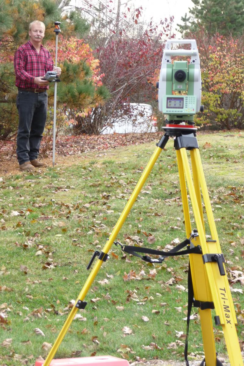 Randy Donckers performs a one man land survey with leica robotic total station